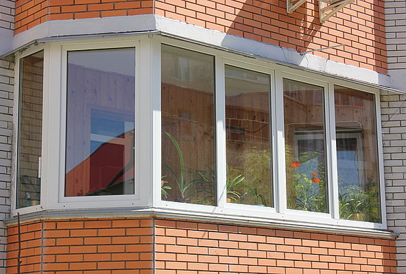 Застеклить балкон окна роста.